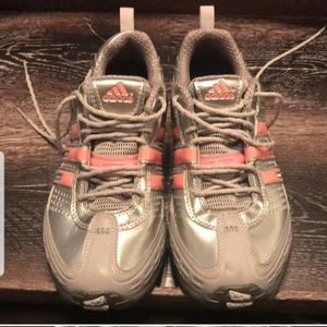 🏃‍♀️Adidas Ladies size 6 running shoes🏃‍♀️👟